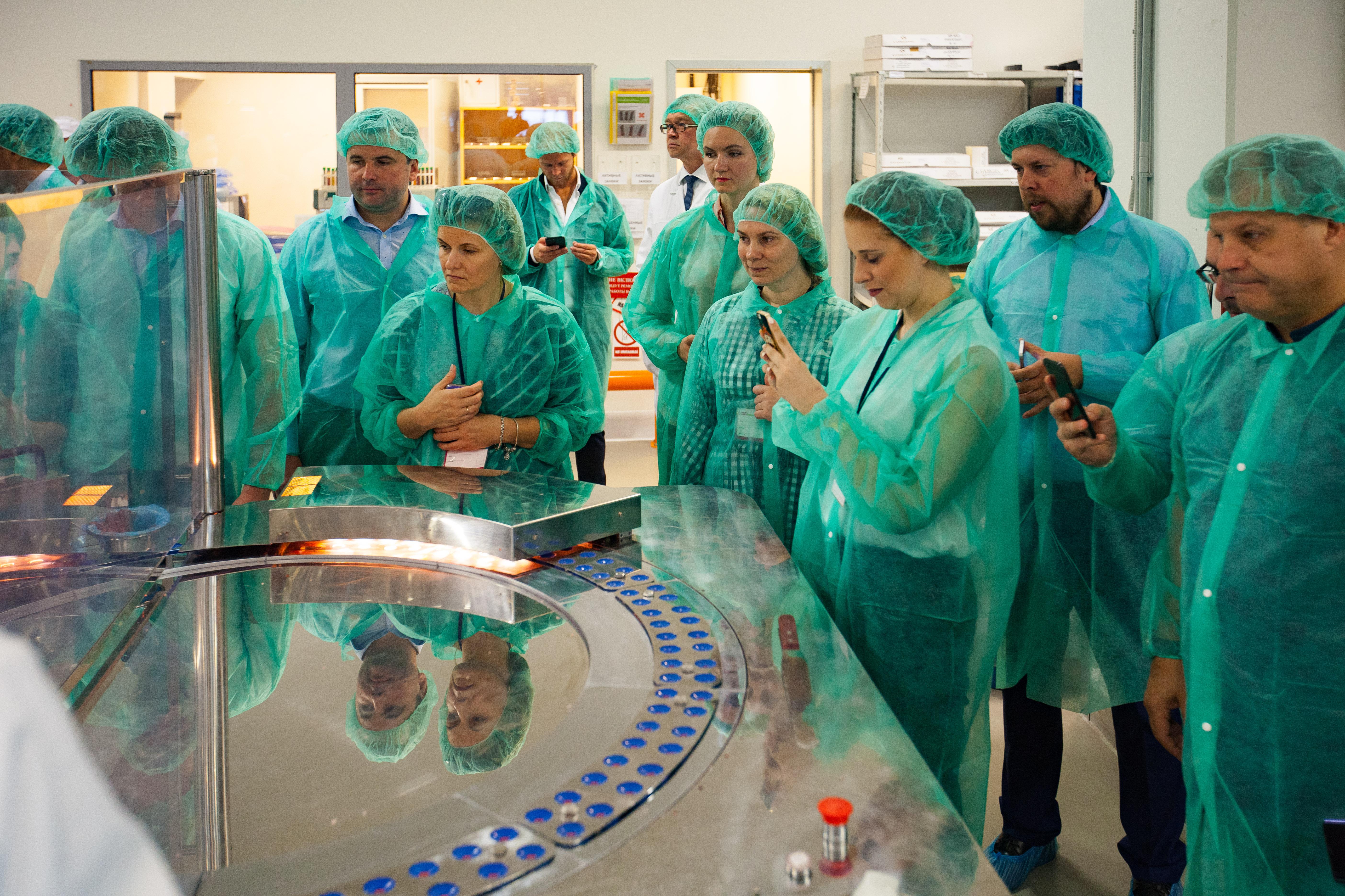 Члены Комитета ИСБ посетили производство ООО «СетесКосметикс» (ГК Oriflame)